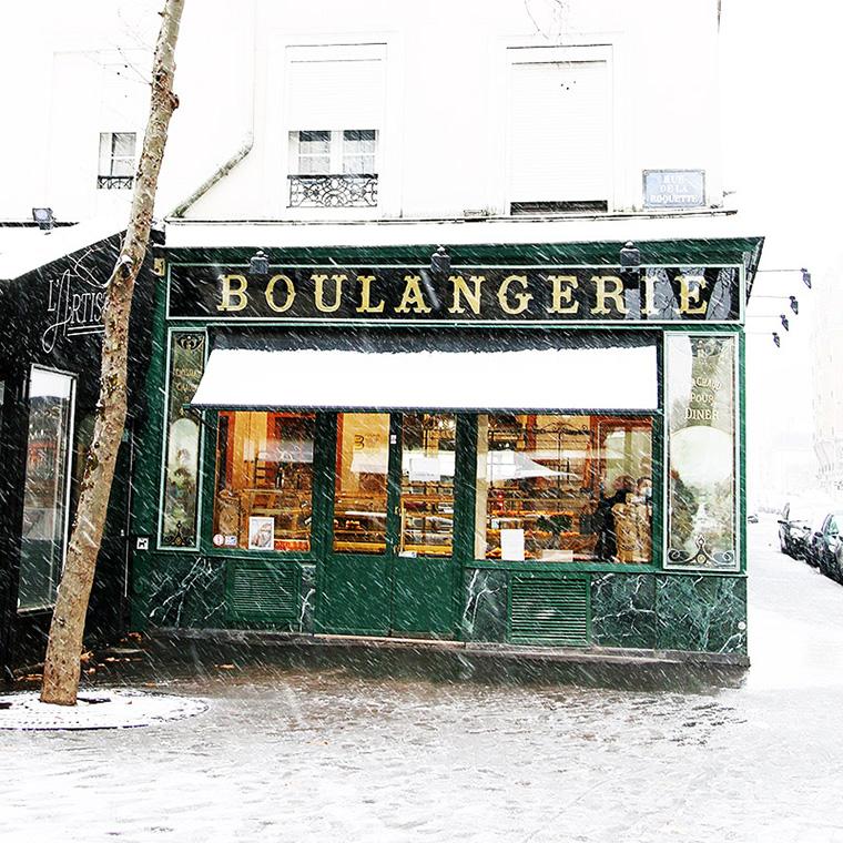Boulangerie sous la neige, rue de la Roquette
