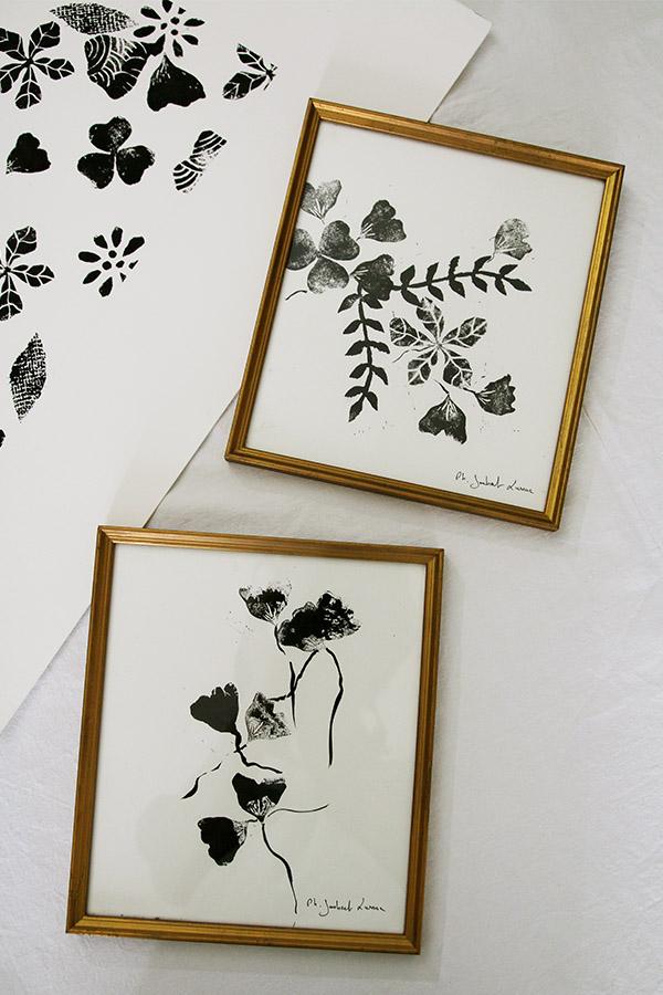 Linogravure en rouge et noir