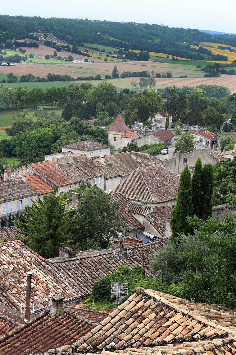 Vue sur la campagne depuis le village de Lauzerte