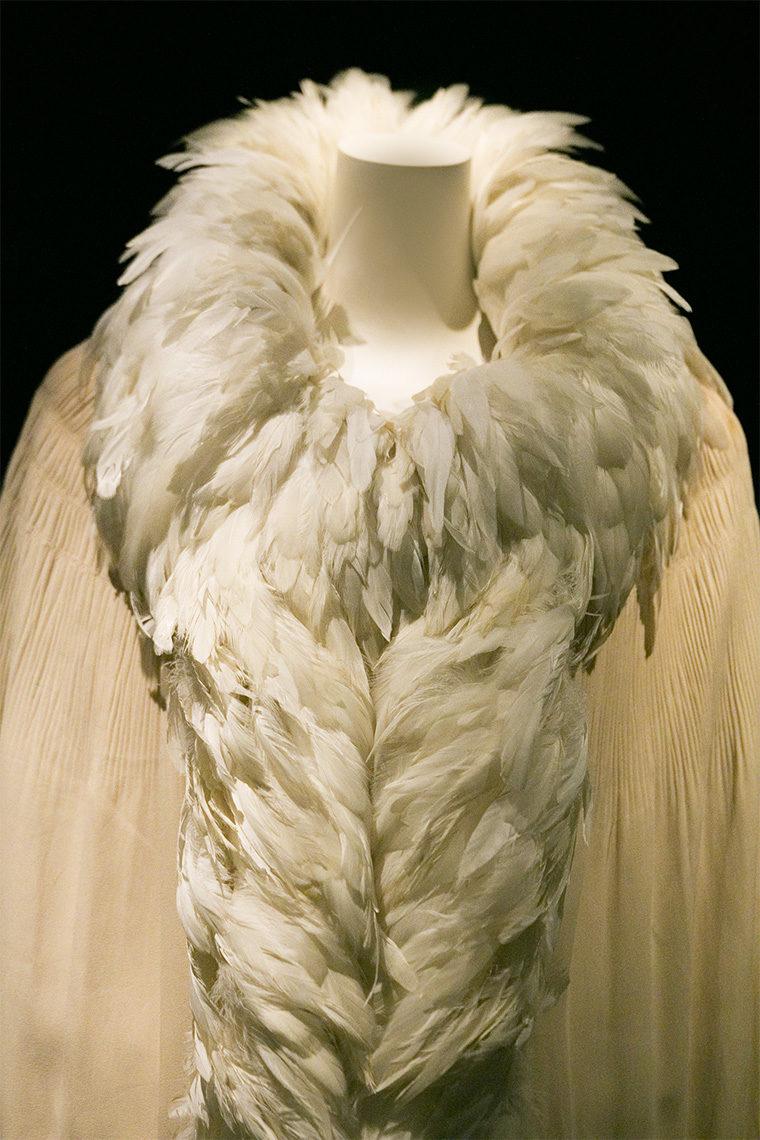 Cape Chanel en plumes