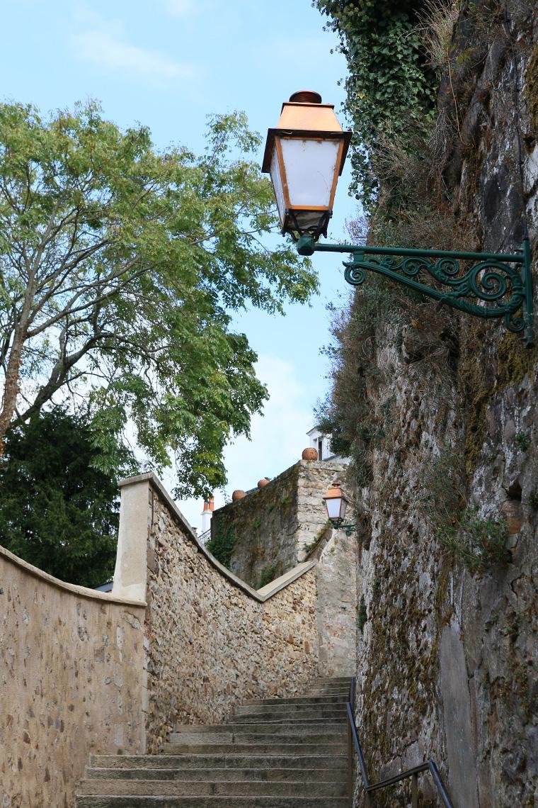 Escaliers dans la Cité Plantagenêt