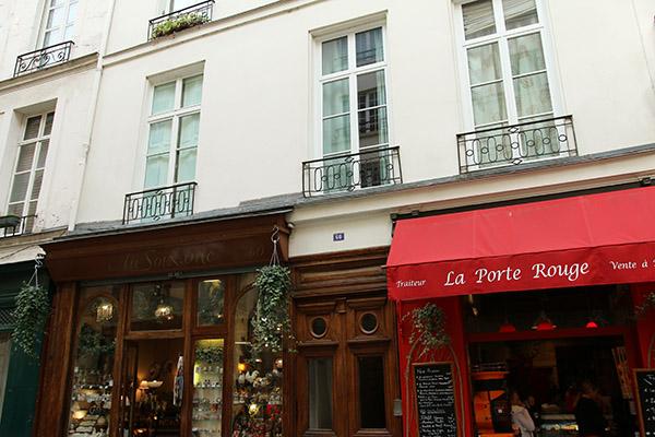 La_Porte_Rouge
