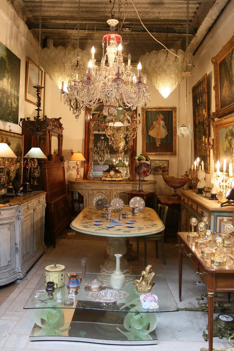 Les antiquités du Marché Dauphine