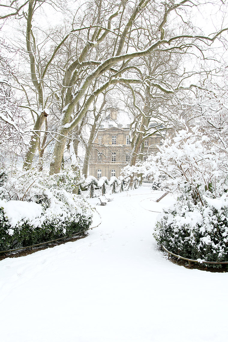 Le jardin du Luxembourg tout blanc de neige
